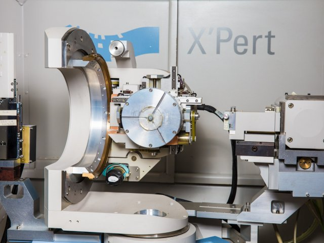 X-ray Diffractometer (XRD) - Philips X'Pert