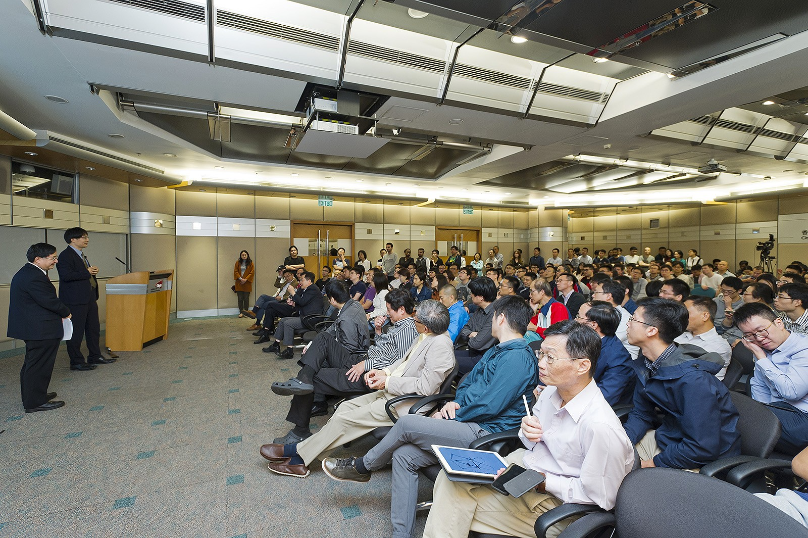 "The lecture was titled ""Nature-inspired Innovation: Art, Science and Technology""."