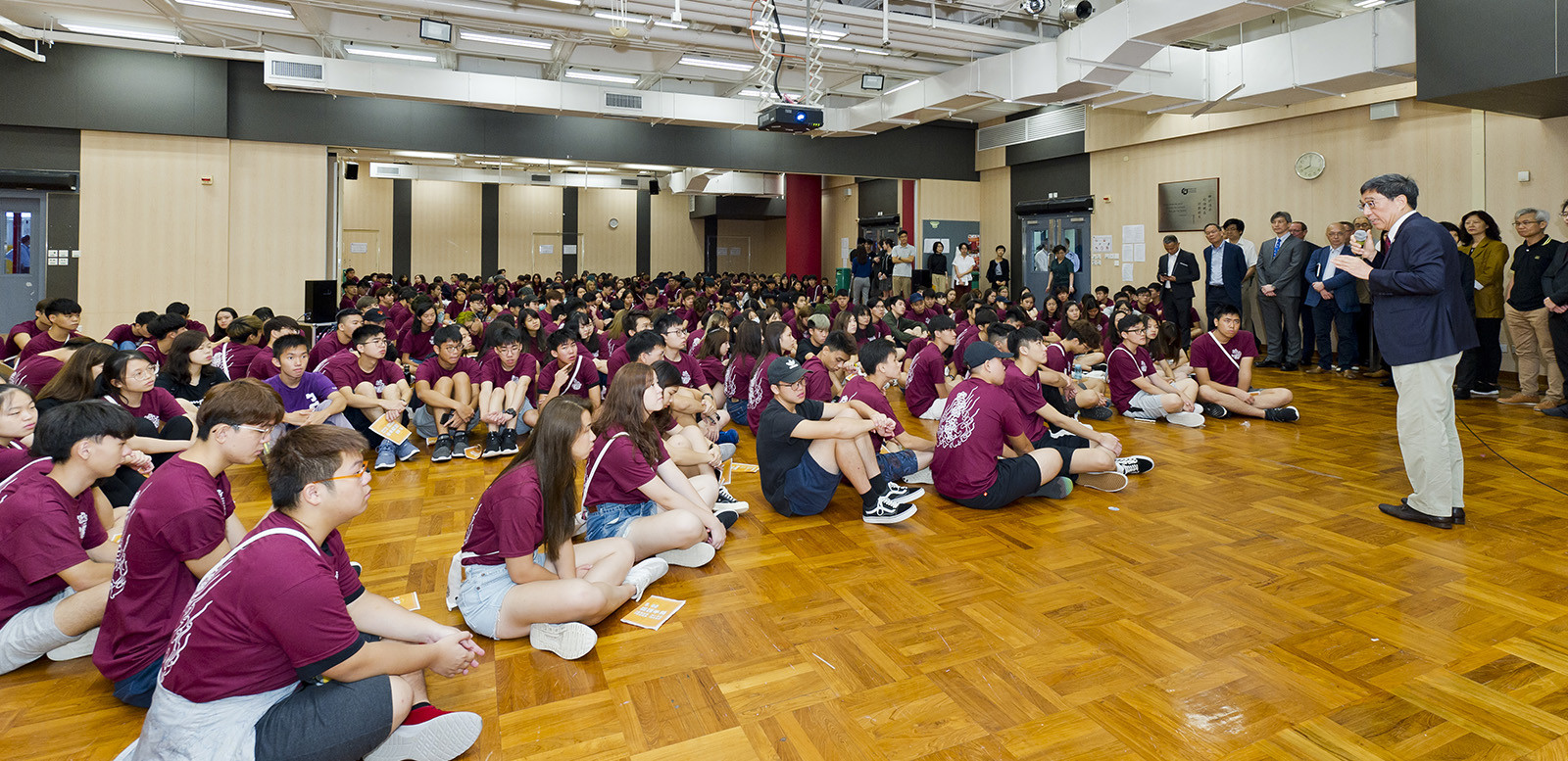 President Kuo met and greeted around 200 new students at the annual O'Camp.